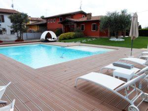 pavimento-piscina-legno-composito-01_800x600